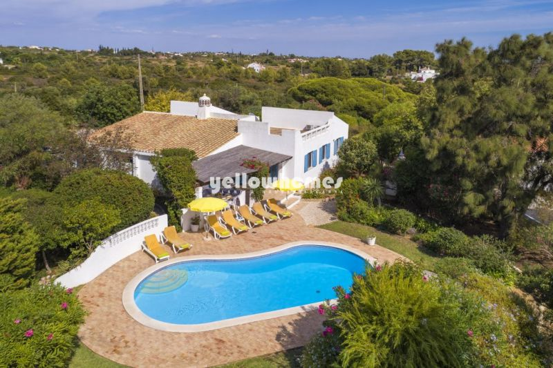 Elegant four bedroom villa with private pool in Carvoeiro